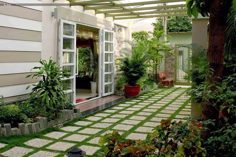 Có nên sử dụng gạch lát sân vườn không?