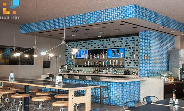 Gạch ốp tường quán cafe bằng gạch bông